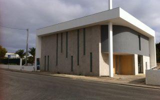 Construção de Igreja Paradas A-dos-Cunhados